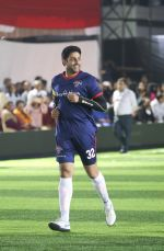 Abhishek Bachchan at Jamnabai Narsee Football Match in Jambai School Ground on 11th Dec 2018 (38)_5c10aaf75f4da.jpg