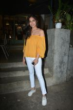 Malavika Mohanan Spotted At Kitchen Garden In Bandra on 11th Dec 2018 (5)_5c10a1e9f2e71.JPG