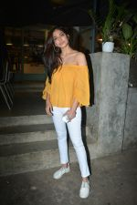 Malavika Mohanan Spotted At Kitchen Garden In Bandra on 11th Dec 2018 (9)_5c10a1efd159d.JPG