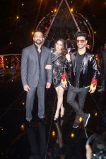 Ranveer Singh, Sara Ali Khan, Rohit Shetty At the Promotion of Film SIMMBA On the Sets Of Indian Idol on 13th Dec 2018 (11)_5c121c2fdf9d3.JPG
