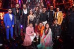 Ranveer Singh, Sara Ali Khan, Rohit Shetty, Manish Paul, Neha Kakkar At the Promotion of Film SIMMBA On the Sets Of Indian Idol on 13th Dec 2018 (31)_5c121c1d97882.JPG
