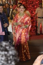 Rekha at Isha Ambani and Anand Piramal_s wedding on 12th Dec 2018 (50)_5c1217c570aa0.JPG