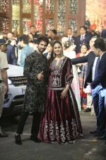Shahid Kapoor, Mira Rajput at Isha Ambani and Anand Piramal_s wedding on 12th Dec 2018 (7)_5c1217ffc58cb.jpg
