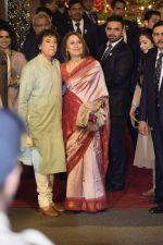 Zakir Hussain at Isha Ambani and Anand Piramal_s wedding on 12th Dec 2018 (140)_5c1218a619153.JPG