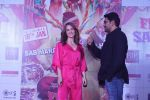 Elli Avram, Arshad Warsi at the Song Launch of  Chamma Chamma For Film Fraud Saiyyan on 15th Dec 2018 (58)_5c175d07d1cff.JPG