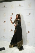 Shobhaa De attends the 115th anniversary celebration of Taj Mahal Palace which was celebrated with A Black Tie Charity Ball in mumbai on 15th Dec 2018 (11)_5c1743e03d156.jpg