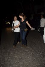 Shrishti Behl & Sussanne Khan spotted at Sonali bandre_s house in juhu on 16th Dec 2018 (4)_5c18948e430bc.JPG