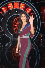 Katrina Kaif with team Zero on the sets of Indian Idol Grand Finale in Yashraj Studio, Andheri on 19th Dec 2018
