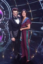 Katrina Kaif, Manish Paul with team Zero on the sets of Indian Idol Grand Finale in Yashraj Studio, Andheri on 19th Dec 2018