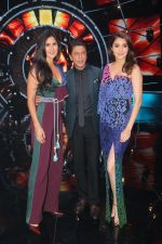 Katrina Kaif, Shah Rukh Khan, Anushka Sharma with team Zero on the sets of Indian Idol Grand Finale in Yashraj Studio, Andheri on 19th Dec 2018