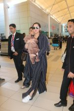 Sania Mirza With Her Newborn Baby Arrives At The Mumbai Airport on 19th Dec 2018 (5)_5c1c8ac97fa9e.JPG