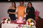 Govinda celebrates his birthday with cake cutting at his residence in juhu on 21st Dec 2018 (8)_5c1de03c4a207.JPG