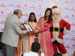 Aishwarya Rai Bachchan celebrates Christmas with Cancer patients in Carnival cinemas in Wadala on 25th Dec 2018 (20)_5c29ced044794.jpg