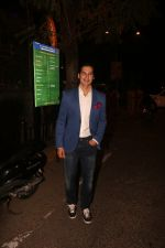 Dino Morea attend the Mid Night Mass at St Andrews church in bandra on 25th Dec 2018 (2)_5c29b52ba6826.JPG