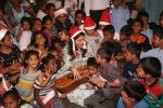 Jacqueline Fernandez celebrates Christmas with underprivileged children at bandra on 25th Dec 2018 (29)_5c29cf019b05a.JPG