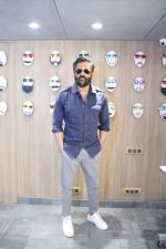 Sunil Shetty At The Launch Of Specta Designer Eyewear Boutique In Khar on 22nd Dec 2018 (11)_5c29b5aa7d8de.JPG