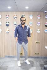 Sunil Shetty At The Launch Of Specta Designer Eyewear Boutique In Khar on 22nd Dec 2018 (12)_5c29b5ac456c7.JPG