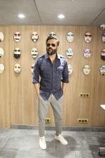 Sunil Shetty At The Launch Of Specta Designer Eyewear Boutique In Khar on 22nd Dec 2018 (13)_5c29b5ae0846a.JPG
