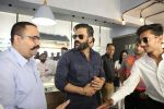 Sunil Shetty At The Launch Of Specta Designer Eyewear Boutique In Khar on 22nd Dec 2018 (3)_5c29b59c1edab.JPG