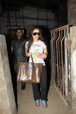 Ameesha Patel spotted at Kromkay salon in juhu on 26th Dec 2018 (5)_5c2c6d86bccd3.JPG