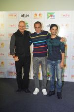 Anupam Kher, Akshaye Khanna, Vijay Gutte at the Trailer Launch Of Film The Accidental Prime Minister on 26th Dec 2018 (82)_5c2c6dbe7db36.JPG