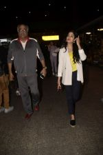 Boney Kapoor,Janhvi Kapoor spotted at airport in andheri on 29th Dec 2018 (28)_5c2c6e84f04d7.JPG