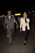Boney Kapoor,Janhvi Kapoor spotted at airport in andheri on 29th Dec 2018 (32)_5c2c6e87c5484.JPG