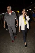 Boney Kapoor,Janhvi Kapoor spotted at airport in andheri on 29th Dec 2018 (38)_5c2c6e8bc7d60.JPG