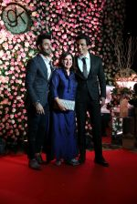 Farah Khan, Sonu Sood at Kapil Sharma_s wedding reception in jw marriott Sahar on 25th Dec 2018 (58)_5c2c559fe3e26.JPG
