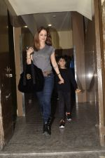 Hrithik Roshan & Sussanne with sons spotted at pvr juhu on 30th Dec 2018 (8)_5c2c7434a4f67.JPG