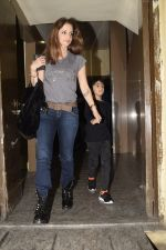 Hrithik Roshan & Sussanne with sons spotted at pvr juhu on 30th Dec 2018 (9)_5c2c7436835be.JPG