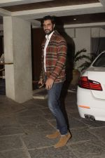 Kunal Kapoor at Sonali Bendre_s Birthday Party in Juhu on 1st Jan 2019 (44)_5c2cc486ea5b0.JPG
