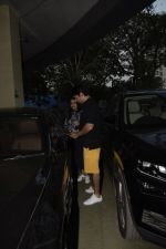 Rohit Dhawan & wife spotted at pvr juhu on 30th Dec 2018 (2)_5c2c745f270a7.JPG