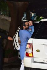 Saif Ali Khan attends the christmas brunch at Shashi Kapoor_s house in juhu on 25th Dec 2018 (13)_5c2c5642a43e9.JPG