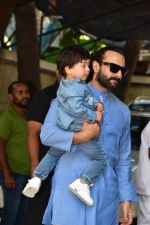 Saif Ali Khan attends the christmas brunch at Shashi Kapoor_s house in juhu on 25th Dec 2018 (15)_5c2c5645d1365.JPG