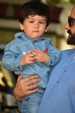 Saif Ali Khan attends the christmas brunch at Shashi Kapoor_s house in juhu on 25th Dec 2018 (16)_5c2c564781739.JPG