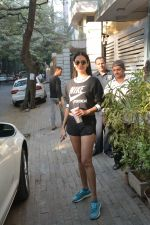Sonal Chauhan spotted at Bandra Body Scluptor gym in khar on 2nd Jan 2019 (8)_5c2cca287ad64.JPG
