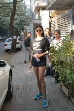 Sonal Chauhan spotted at Bandra Body Scluptor gym in khar on 2nd Jan 2019 (9)_5c2cca2a6e0e1.JPG