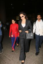 Kangana Ranaut spotted at airport in mumbai on 2nd Jan 2019