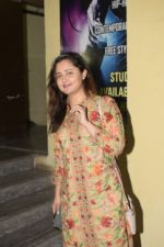 Rashmi Desai spotted at pvr juhu on 2nd Jan 2019 (3)_5c2db26400f17.JPG