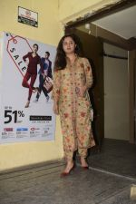 Rashmi Desai spotted at pvr juhu on 2nd Jan 2019 (5)_5c2db26771054.JPG