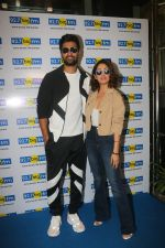 Vicky Kaushal & Yami Gautam at big fm studio for the promotions of thier film Uri on 3rd Jan 2019 (11)_5c2f035e36782.JPG