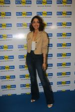 Yami Gautam at big fm studio for the promotions of thier film Uri on 3rd Jan 2019 (15)_5c2f03a7f00e1.JPG