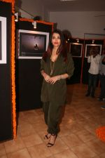 Aishwarya Rai Bachchan at the launch of Mumbai Moments Calendar in Press Club Mumbai on 8th Jan 2019 (36)_5c36e8643fea1.JPG