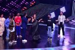 Madhuri Dixit Nene on the sets of DANCE Plus 4 on 7th Jan 2019 (10)_5c36e526c2deb.JPG