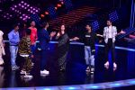 Madhuri Dixit Nene on the sets of DANCE Plus 4 on 7th Jan 2019 (11)_5c36e528224a9.JPG