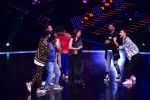 Madhuri Dixit Nene on the sets of DANCE Plus 4 on 7th Jan 2019 (13)_5c36e52ab91ef.JPG