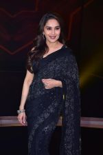 Madhuri Dixit Nene on the sets of DANCE Plus 4 on 7th Jan 2019 (20)_5c36e55a41d5c.JPG