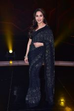 Madhuri Dixit Nene on the sets of DANCE Plus 4 on 7th Jan 2019 (22)_5c36e534957f9.JPG