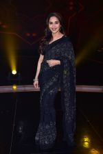 Madhuri Dixit Nene on the sets of DANCE Plus 4 on 7th Jan 2019 (23)_5c36e5382a505.JPG